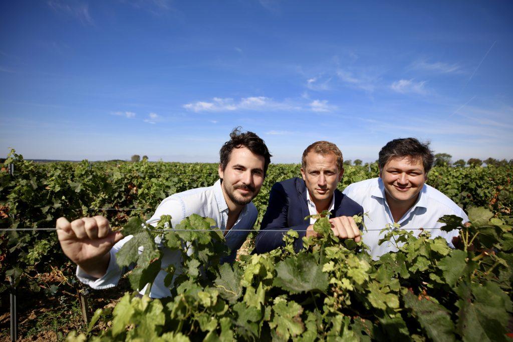Julien Brustis, Adrien Pélissié et Julien Bengué, les trois fondateurs de la Winerie parisienne, ont réalisé leur rêve : ils vont produire un vin 100 % francilien.